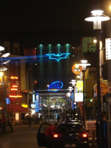 laserprojectie, laserprojectie op gebouw, Batman Rotterdam, Logo, Billboard Projectie, Laserprojectie op gevel gebouw
