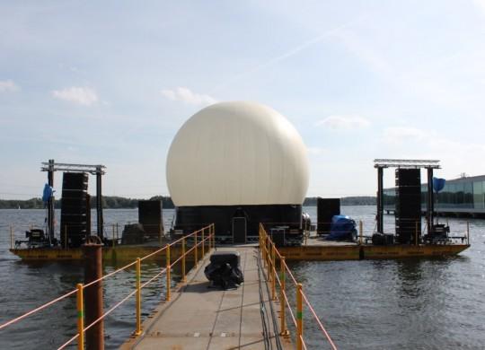 Projectiebol, lasershow, Almere, pontons