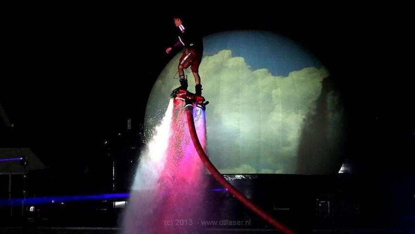 Flyboard Nightshow Nijkerk Laser Lasershow Lasereffecten Projectiebol