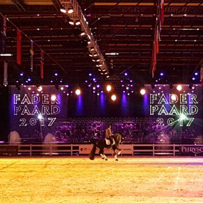 Friesian proms- waterscherm vallend-Faderpaard-laserprojectie -FEC-Leeuwarden