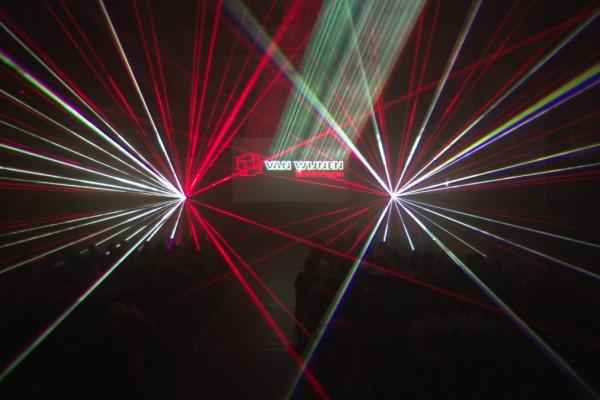 Van Wijnen Lasershow Binnen Effecten