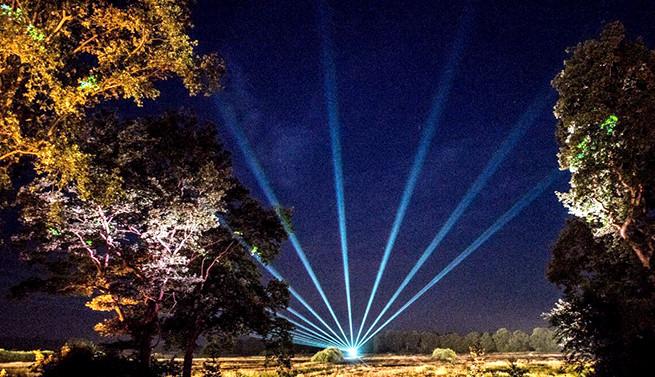 Laser waaier boven natuurebied Hunze en Aa
