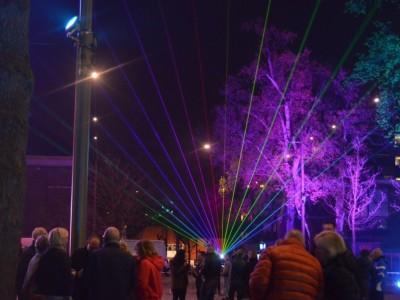 Emmen Marktplein Opening Uitlichten Park Bomen Laser Lasershow