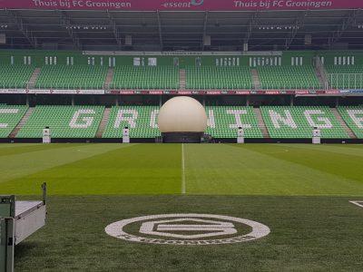 Projectiebol en IBC ledtanks in Noordlease stadion