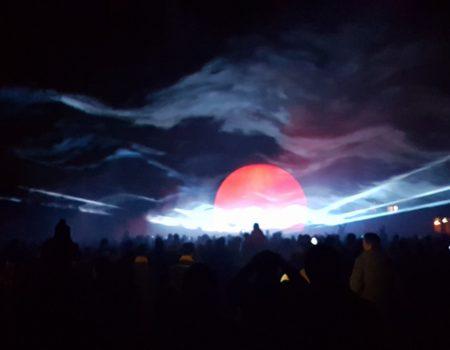 Tholen 650 jaar lasershow met projectiebol