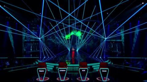 The Voice of Holland - lasershow - Mikki van Wijk - Omarm me (9)