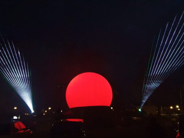 Zinn-dtlllaser-lasershow-buiten-bejaardenhuis (3)